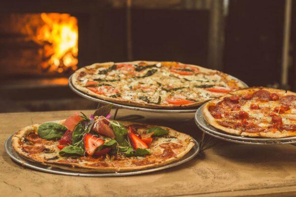 Pizza Delivery in Kenosha wi, casa capri, food delivery services